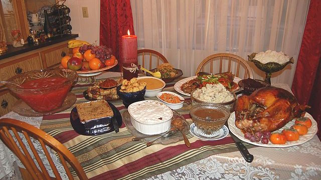 [Thanksgiving dinner courtesy Wikimedia Commons]